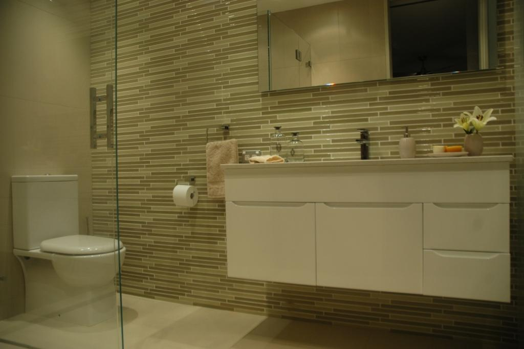 Finn ensuite interior design